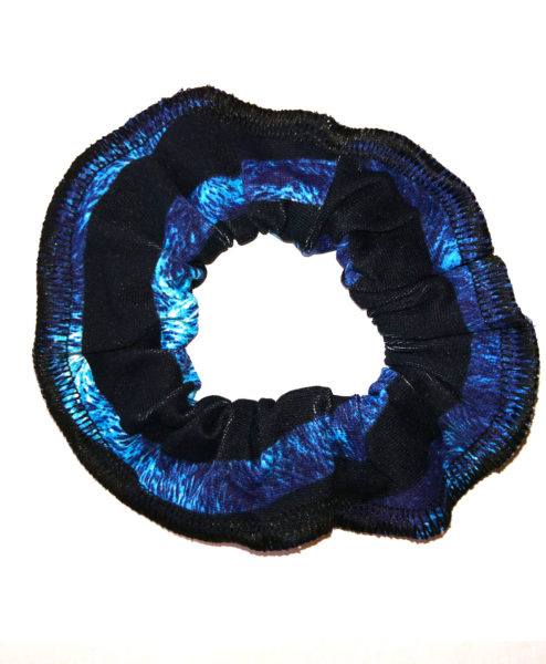 We love scrunchies! Channel the 90s and be kind to your hair. Ethically made scrunchie from premium Brazilian Supplex. Great value and has matching leggings