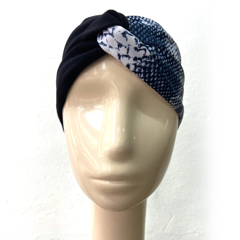 By Posto9. Discover our selection of stylish turbans to match your outfit.